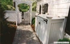 perfect idea for privacy entering our garage side backyard....compost/garbage shelter.:-)