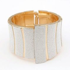 A27757 bangle....fashionable