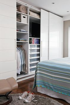 Plush and built-in wardrobes: ideas and project tips - Home Fashion Trend Bedroom Wardrobe, Wardrobe Closet, Built In Wardrobe, Home Bedroom, Master Bedroom, Bedroom Decor, Bedrooms, Wadrobe Design, Closet Designs