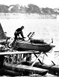Fl. Lt. Richard Waghorn & his Supermarine S.6 at the 1929 Schneider Trophy Race. He won.