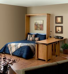 Murphy bed with desk (can use desk on both sides)