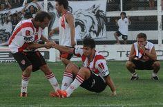 SUPLEMENTO DEPORTIVO POR 105.3 : Argentino B: Dos condenados, tres urgidos y un puñ...