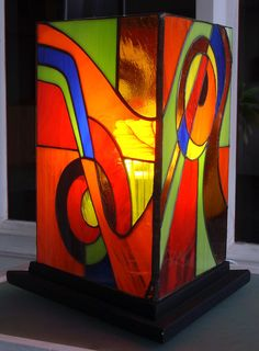 Galería :: Luminarias Stained Glass Projects, Stained Glass Art, Mosaic Glass, Glass Painting Designs, Paint Designs, Stained Glass Lamp Shades, African Crafts, Candle Art, Leaded Glass
