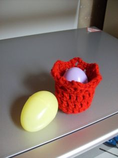 Free Tulip Easter Egg Hideout Crochet Pattern