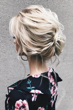 Wedding Hairstyles Ideas For Brides With Thin Hair Wedding planning ideas inspiration Wedding dresses decor and lots Short Thin Hair, Short Hairstyles For Thick Hair, Haircut For Thick Hair, Thin Blonde Hair, My Hairstyle, Bride Hairstyles, Easy Hairstyles, Medium Hair Cuts, Medium Hair Styles