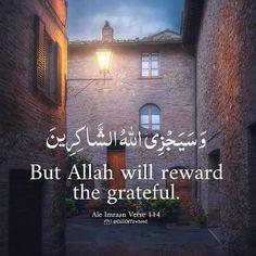 Quran Wallpaper, Islamic Quotes Wallpaper, Allah Quotes, Quran Quotes, Islam Online, Love In Islam, Beautiful Islamic Quotes, Quran Verses, Islamic Pictures
