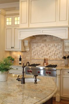 Supreme Kitchen Remodeling Choosing Your New Kitchen Countertops Ideas. Mind Blowing Kitchen Remodeling Choosing Your New Kitchen Countertops Ideas. Tuscan Kitchen, Cool Kitchens, Cream Colored Kitchens, Kitchen Remodel, Kitchen Backsplash, Granite Kitchen, Cream Colored Kitchen Cabinets, Outdoor Kitchen Countertops, Shabby Chic Kitchen