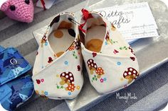 Kimono baby booties - PDF pattern from ithinksew
