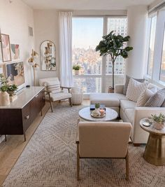Small Apartment Living, Small Living Rooms, Modern Living, Living Room Apartment, York Apartment, Living Room Tv, Cute Living Room, Apartment Goals, Small Living Room Layout