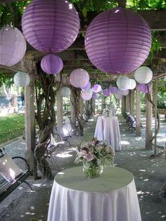 decoracion de techo con lamparas  de papel tipo globo