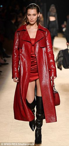 Red-y to go! Bella Hadid looked sensational in a striking satin mini dress teamed with a patent crocodile trench coat as she led the Cavalli catwalk at Milan Fashion Week Red Trench Coat, Trench Coat Outfit, Fashion Week 2018, Milan Fashion Weeks, Dope Fashion, Fashion Models, Slick Hairstyles, Satin Mini Dress, Military Style Jackets