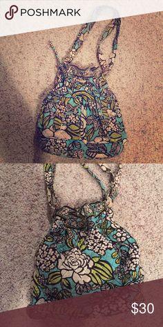 Vera Bradley tote bag Vera Bradley tote bag with adjustable strap! Vera Bradley Bags