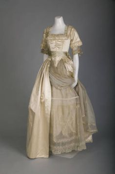 Lucile, Wedding Dress. Chicago, 1916. (View 2)