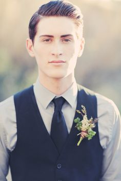 rustic boutonniere  |  gideon photography
