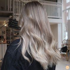Blonde Hair Looks, Ash Blonde Hair, Blond Beige, Mushroom Hair, Hair Tape, Gorgeous Hair Color, Bad Hair, Balayage Hair, Hair Inspiration