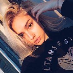 Molly O'malia (@themollyomalia) • Instagram photos and videos