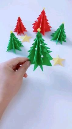 DIY Room Decor: Galaxy in a JarDIY Room Decor: Galaxy in a Jar - easy and fun project you can make with a jar, paint and cotton balls. Diy Christmas Videos, Christmas Origami, Christmas Diy, Christmas Wreaths, 3d Christmas Tree Card, Holiday, Felt Christmas Decorations, Christmas Paper Crafts, Navidad Diy