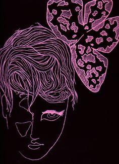 Portrait sur fond noir au posca