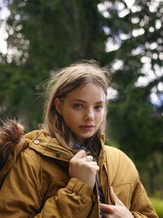 Kristen Froseth as Feyre Alaska Young, Looking For Alaska, Face Claims, Audrey Hepburn, Veronica, Girl Crushes, Character Inspiration, Actors & Actresses, Beautiful People