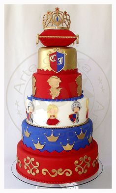 Knight & Princess Birthday Cake  Might be able to do something similar for a medieval wedding cake, but without the little knights and princesses