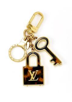 ideel | LOUIS VUITTON Lock and Keychain
