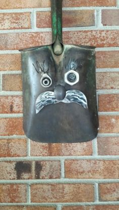 Shovel head metal art by Mike Davis Metal Projects, Welding Projects, Metal Crafts, Cool Diy Projects, Art Projects, Junk Metal Art, Metal Yard Art, Junk Art, Yard Sculptures