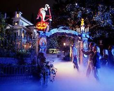 Disneyland Halloween! I think these needs to happen this year. I haven't been been in years and it's my favorite time of year!