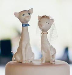 Topo de Bolo de Casamento Gatinhos em Biscuit.  Cats - cake - wedding - topper - biscuit