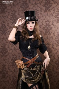 Western-styled look complete with hip holster - Steampunk Tendencies
