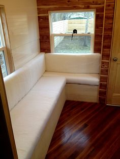 Built in seating- will maximize your space. What is your recliner- besides a bunch of padding on a frame? Yes, you can build it! #tinyhousehacks @JoeTHH www.tinyhousehack... facebook.com/tinyhousehacks