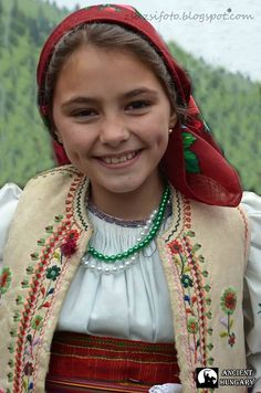 Look at the fantastic dimples on this beautiful Hungarian girl with a million dollar smile! Kids Around The World, We Are The World, People Around The World, Beautiful Smile, Beautiful World, Beautiful People, Precious Children, Beautiful Children, Folk Costume