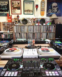 25 best ideas about dj equipment on dj gear Music Studio Room, Studio Setup, Studio Gear, Trip Hop, Vinyl Music, Vinyl Records, Stoner Rock, Dj Equipment For Sale, Edm