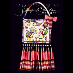 Loom Patterns, Craft Patterns, Beading Patterns, Beading Ideas, Powwow Beadwork, Native Beadwork, Native American Regalia, Native American Beadwork, Beaded Purses