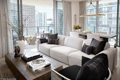 Joan Smalls is featured in the September issue of Elle Decor, and her airy Miami apartment will provide you with major decor inspiration. Condo Living Room, Apartment Living, Living Room Decor, Apartment Goals, Man Home Decor, Cheap Home Decor, Luxury Condo, Luxury Apartments, Miami Apartments