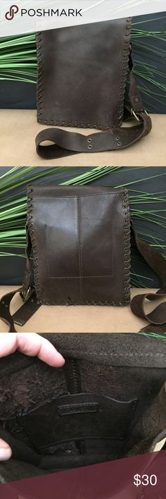 Mango MGA Brown Leather Purse Simple leather purse made of sturdy smooth leather. Mango Bags