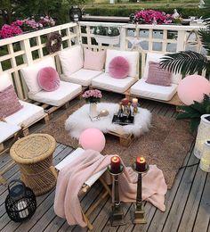 Dreamy Outdoor Living Spaces – The Marble Home Diy Mug Designs, Good Night Everyone, Small Balcony Decor, Balcony Decoration, Balkon Design, Inspire Me Home Decor, Outdoor Furniture Sets, Outdoor Decor, Jolie Photo