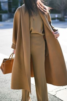 The second entry in the winter outfits style capsule is here for you to choose your next collection of outfits to wear this week! 2020 Fashion Trends, Fashion Mode, Fashion 2020, Look Fashion, Workwear Fashion, Fashion Blogs, Petite Fashion, Cheap Fashion, Daily Fashion