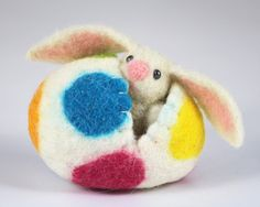 Needle Felted Easter Bunny And Easter Egg from Picsity.com