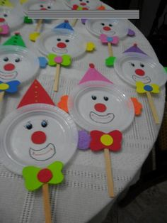 Kids Crafts, Clown Crafts, Carnival Crafts, Carnival Themes, Preschool Crafts, Easter Crafts, Diy And Crafts, Arts And Crafts, Circus Birthday