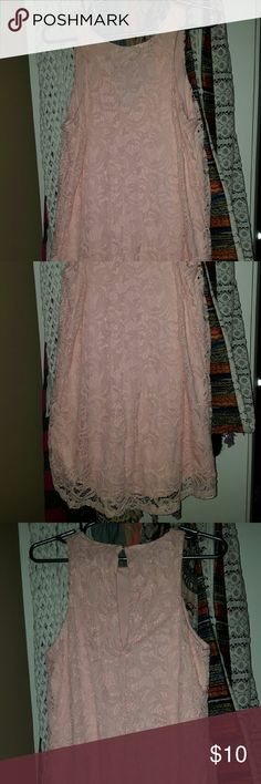 Cute dress Worn once for a wedding. flows to mid thigh and I'm 5'1. super cute! Coral color. Dresses Mini