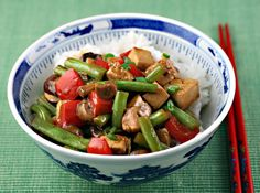 http://www.theperfectpantry.com/2011/01/recipe-for-tofu-and-green-bean-stir-fry-with-spicy-peanut-sauce.html easy!