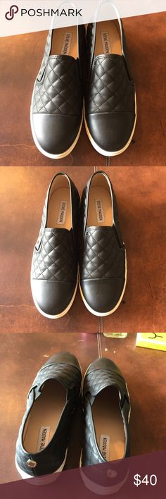 Steve Madden slip on sneakers s10 Super cute no flaws perfect condition Steve Madden Shoes Sneakers