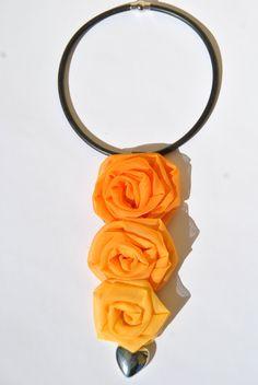 collana caoutchouc rose stoffa graduazioni arancio di comivishop