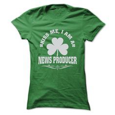 (Top Tshirt Deals) KISS ME I AM A NEWS PRODUCER T SHIRTS [Tshirt Sunfrog] Hoodies, Tee Shirts