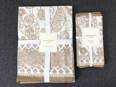 Cynthia Rowley New York Tablecloth & Napkins Gold & White 100% Cotton #CynthiaRowley #CynthiaRowleyNewYork #Home #Home&Garden #Kitchen #Dining #Bar #Linens #Textiles #Linens&Textiles #TableLinen #TableLinenSet #Tablecloth #Square #Napkins #SetOfNapkins #Decoration #Home #Party #Dinner #Breakfast #Lunch #Gold #Gold&White #MadeInIndia #100%Cotton