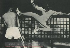 Bruce and Kareem Abdul Jabbar, Game of Death Bruce Lee Films, Bruce Lee Games, Bruce Lee Photos, Game Of Death, Martial Arts Styles, The Big Boss, Enter The Dragon, Martial Artist, Wing Chun