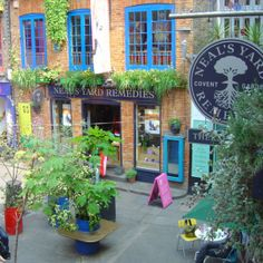 Covent Garden (London) Neal's Yard Remedies, Organic Skincare. Visit your local Neal's Yard Remedies store for all your organic skincare, herbal remedies & therapies. Organic Beauty, Organic Skin Care, Natural Skin Care, Natural Beauty, Covent Garden, Hidden London, Neals Yard Remedies, London Shopping, London Travel