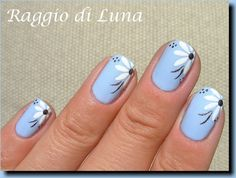 Raggio di Luna Nails: Flower simplicity