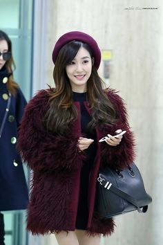 SNSD - Tiffany 티파니 Hwang MiYoung 황미영 commute 160111 @ Gimpo Airport