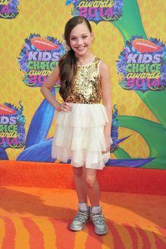 Image from http://www1.pictures.zimbio.com/gi/Maddie+Ziegler+Nickelodeon+27th+Annual+Kids+X-eMqyDeKK1l.jpg.